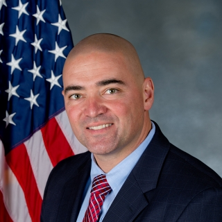 Fred Akshar (R)
